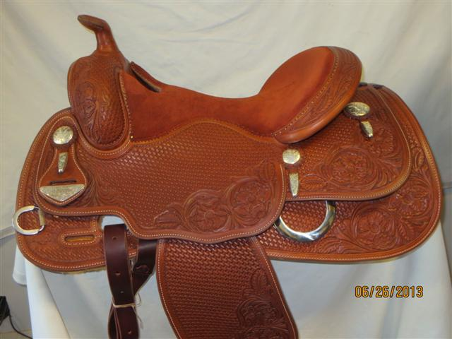 Used Saddle:Bob's Custom Saddles Duane Latimer 15.5inch-16.5inch in stock- Image Number:0