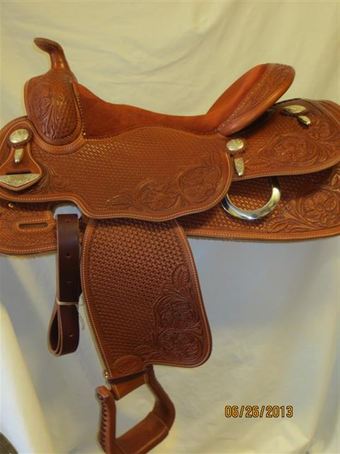 Used Saddle:Bob's Custom Saddles Duane Latimer 15.5inch-16.5inch in stock- Image Number:1