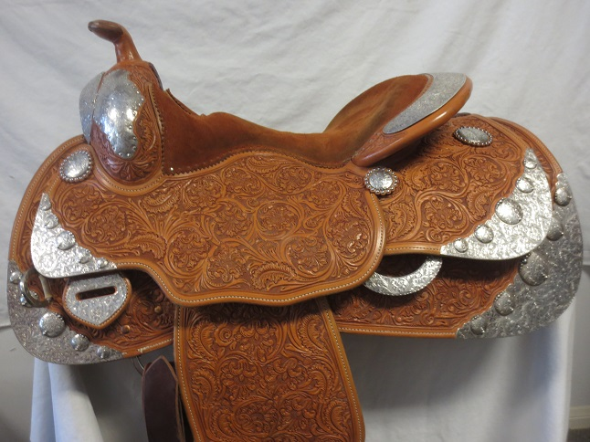 Used Saddle:MINT MINT MINT Bob's Show Saddle 15.5- Image Number:0