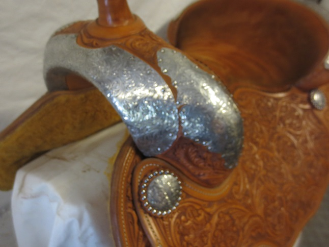 Used Saddle:MINT MINT MINT Bob's Show Saddle 15.5- Image Number:2