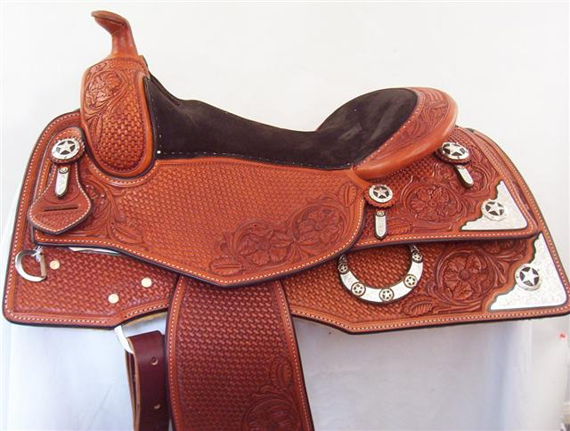 Used Saddle:15.5inch and 16inch inchDLinch Square Skirt Show Saddles- Image Number:0