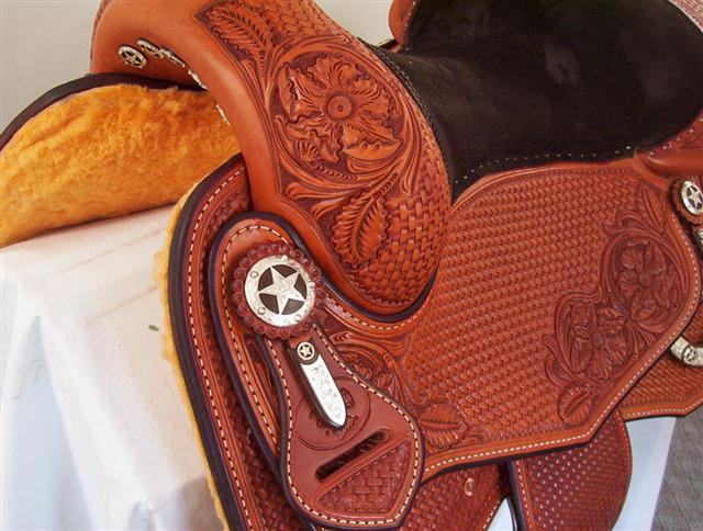Used Saddle:15.5inch and 16inch inchDLinch Square Skirt Show Saddles- Image Number:1