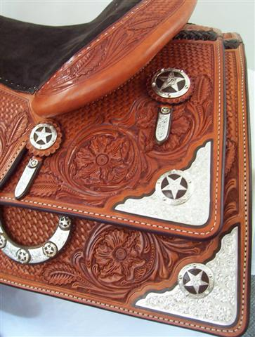 Used Saddle:15.5inch and 16inch inchDLinch Square Skirt Show Saddles- Image Number:2