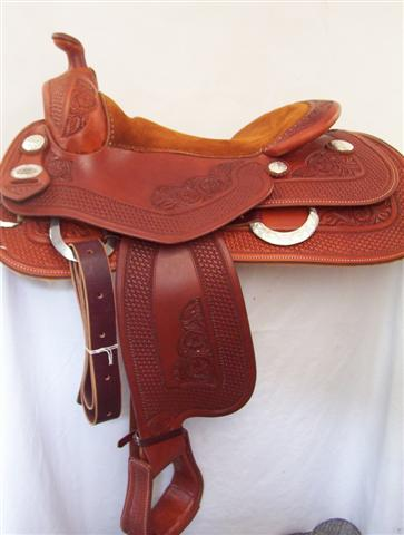Used Saddle:Bob's Bob Avila Reiner- 15-17- Image Number:1