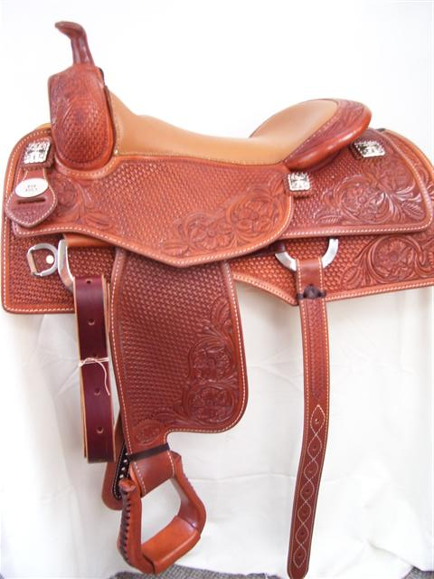 Used Saddle:16inch Bob Avila Square Skirt Cowhorse by Bob's Custom Saddles- Image Number:2