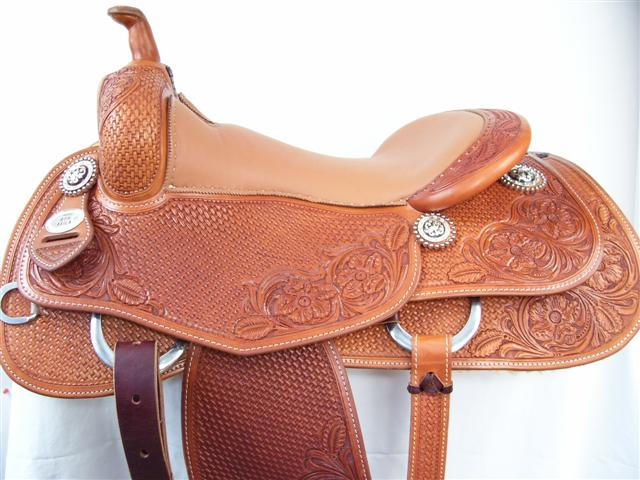 Used Saddle:16inch Avila Cowhorse - Image Number:0