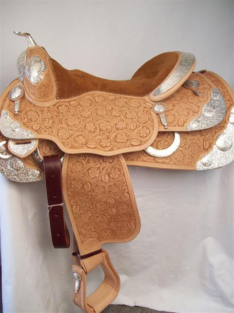 Used Saddle:New Bob's Custom Show Saddle-- Image Number:1