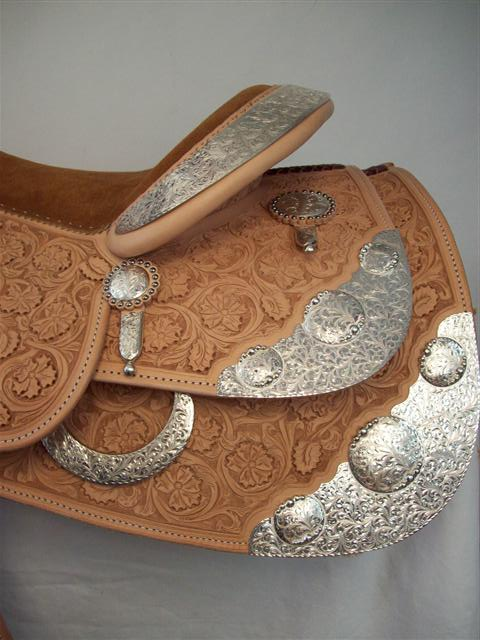 Used Saddle:New Bob's Custom Show Saddle-- Image Number:3